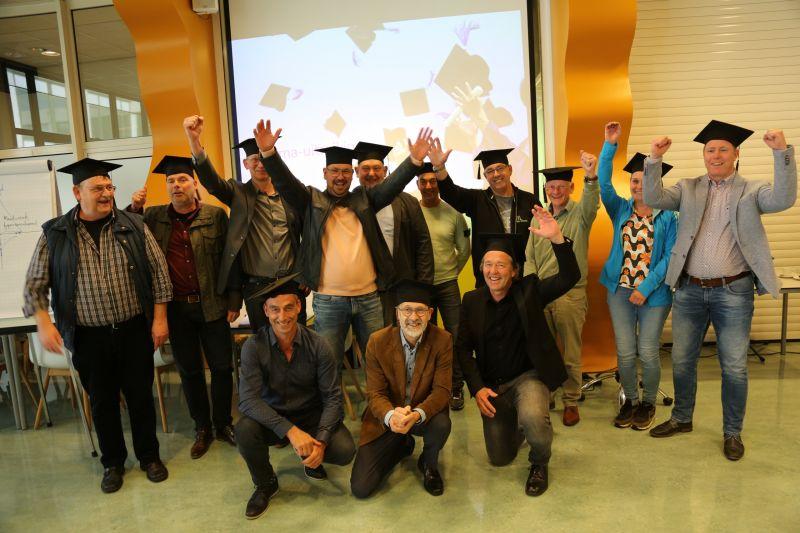 Eerste lichting hybride techniekopleiders Limburg ontvangen diploma